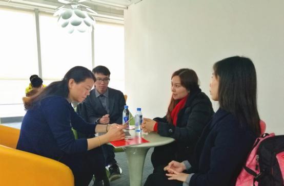 ヒューゴクロスボーダー配電網VC学校納入業者深さツアー:訪問ギャラングループ