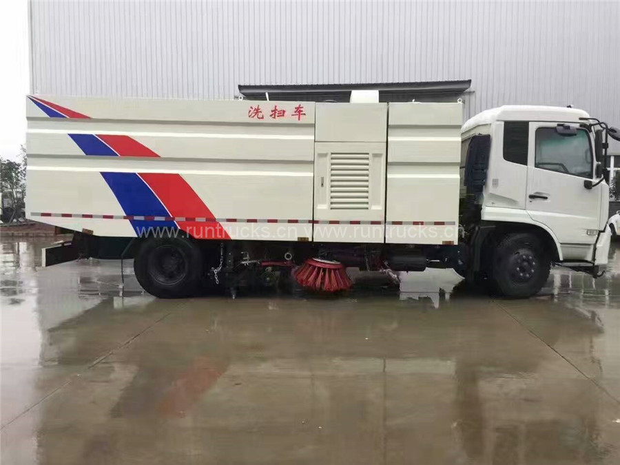 China Dongfeng Tianjin Vacuum Street Sweeper Truck
