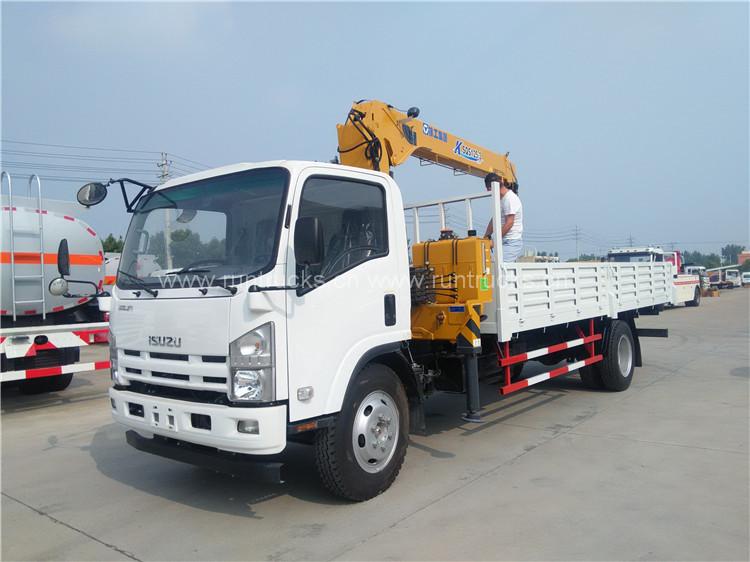 Müşterinin XCMG 5t vinci ile Isuzu 700P kamyonun muayene ve