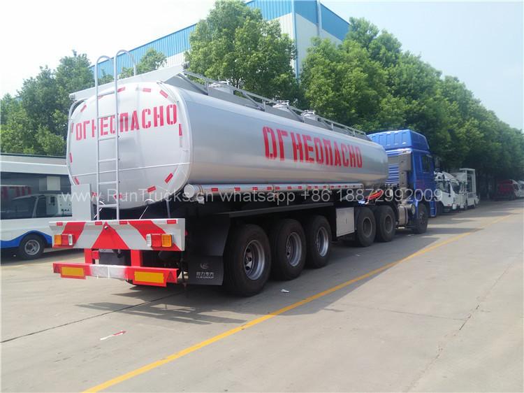 10 единиц Масляный танкер Shacman доставляют в порт Синьцзян