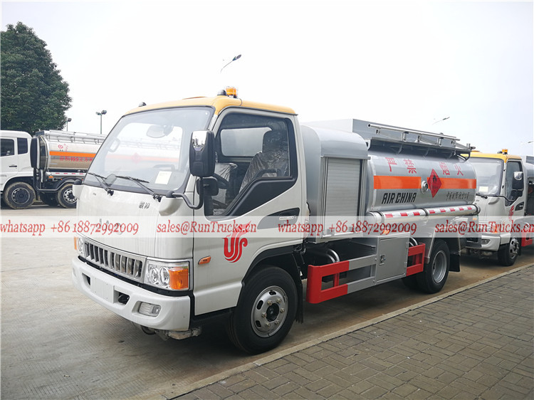 Camión tanque de combustible marca China para reabastecimien