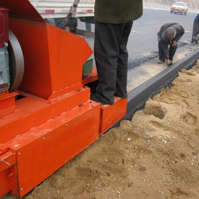 Road Curbing Machine