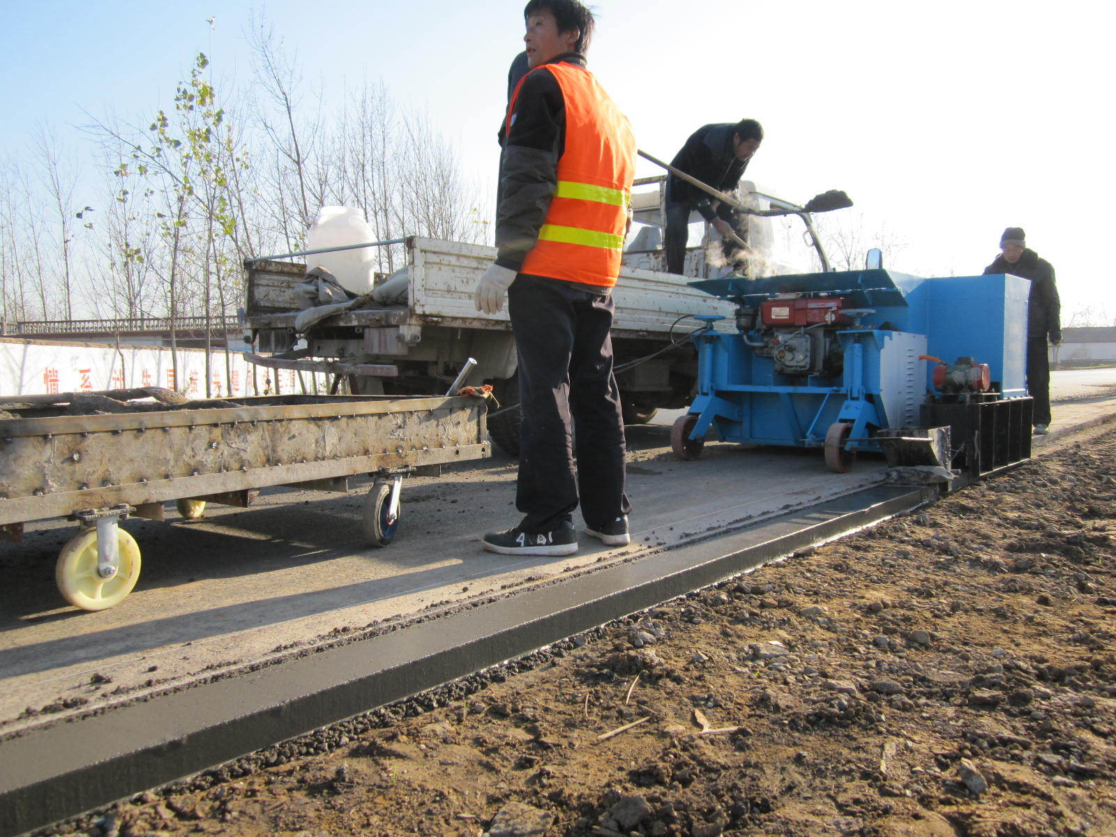 LYS-4 Concrete Cement Road Curb Machine Price