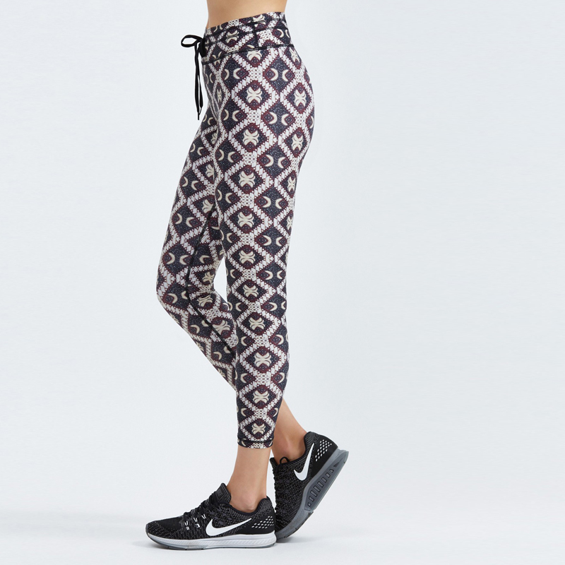Ethnic style women cropped leggings
