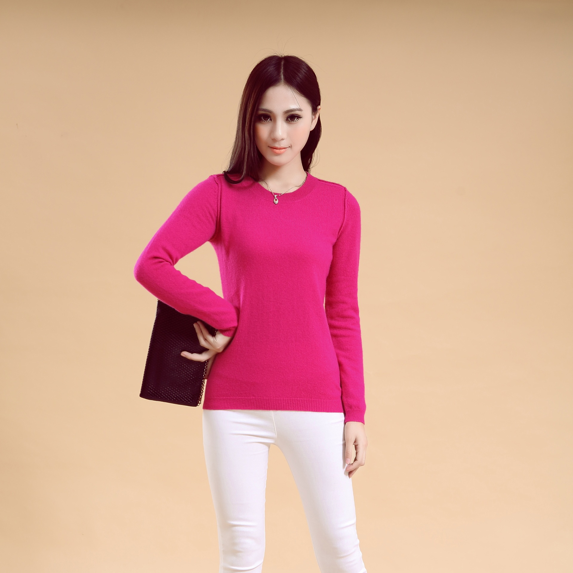 Woman's cashmere round neck knitwear