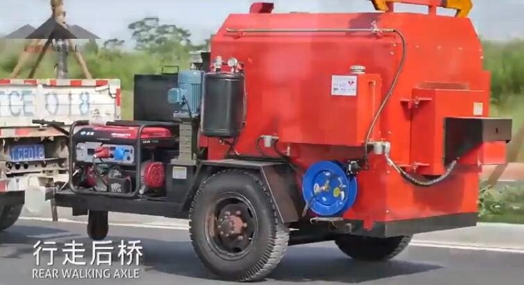 asphalt mixer repair the roads crack