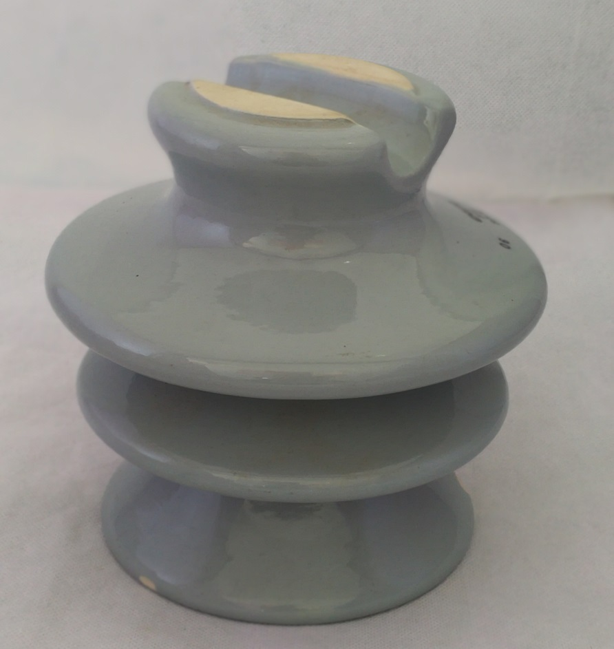 Pin Type Insulators For High Voltage P-20-D