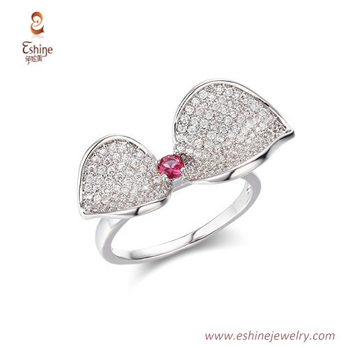 RI4215 - White rhodium bow-tie style ring with ruby & round