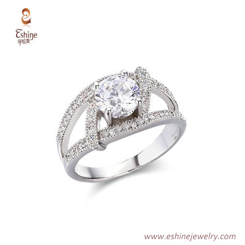 RI4220 - White rhodium ring with Prong set round clear CZ fr