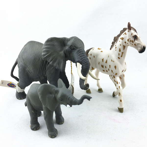 High quality oem design 3D plastic vivid animal statues