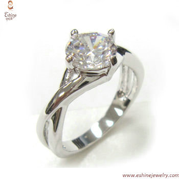 RI3748 -  high quality solitary diamond imitation hand embra