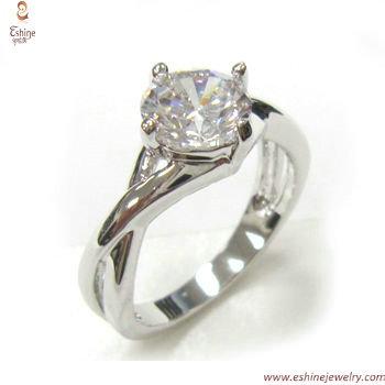 RI3748 -  high quality solitary diamond imitation hand embra