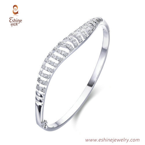 BA1094- Hollow lines style bangle with clear cz micropaved f