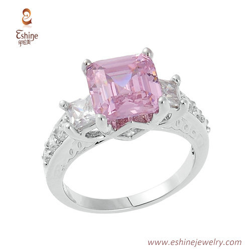 RI3914 - Classic style diamond princess cut pink ring with c