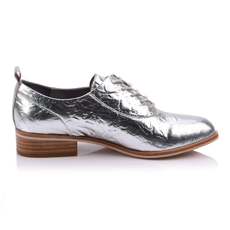 Patent leather women's lace up flat shoes footwear manufactu