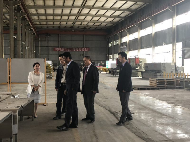 UAE customers visit our factory.