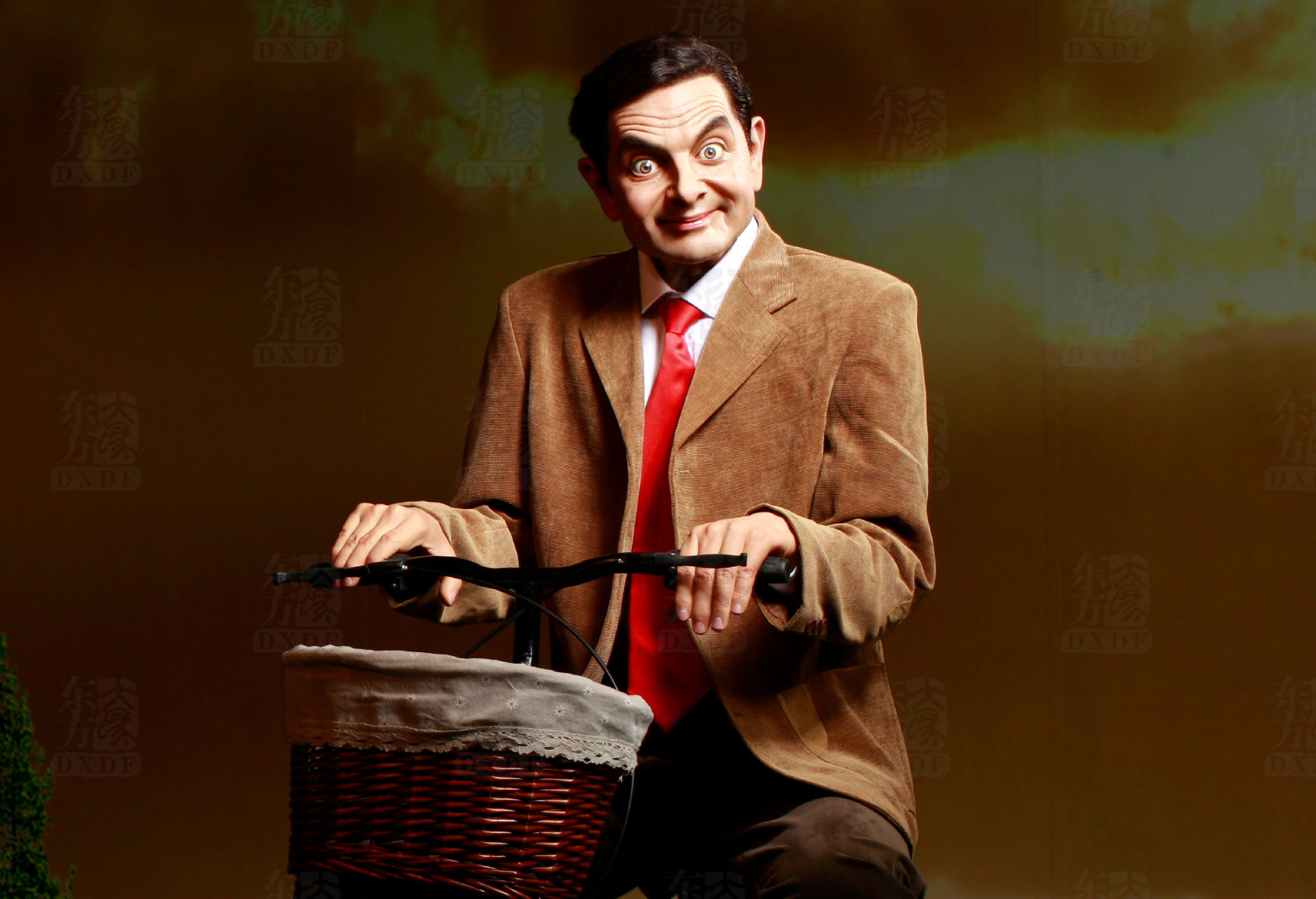 Most Realistic Wax Figures of Eminent Comedian Mr Bean