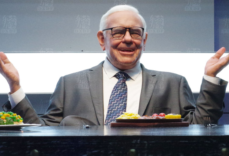 Waxwork of Warren Buffett at Famous Wax Museum